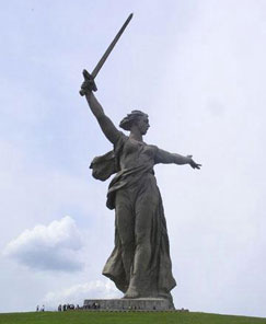 Mother_Russia_Statue