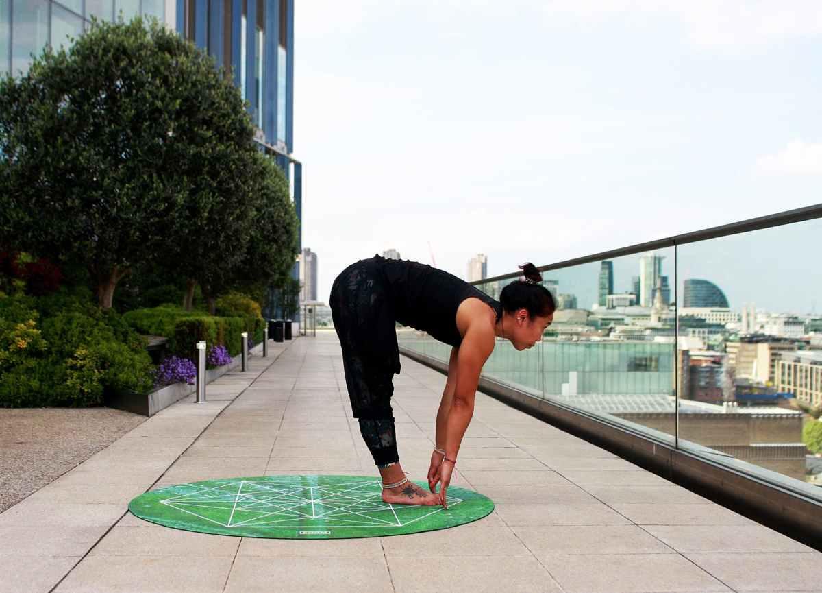 Il Jefferson Curl per la mobilità della schiena: tutorial e considerazioni sui rischi